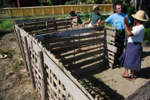 Explaining the compost system to the farmers